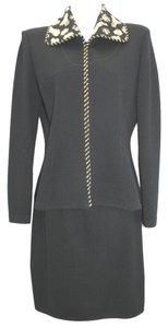 St. John ST. JOHN EVENING EMBELLISHED GOLD PRINT COLLAR BLACK KNIT SKIRT SUIT 6