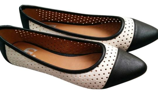 GC Shoes Black and white Flats Image 1
