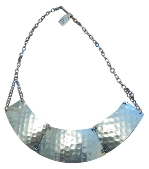 Preload https://img-static.tradesy.com/item/4397038/silver-silver-color-metal-indented-necklace-0-0-540-540.jpg