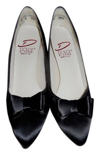 DOLCE PIERRE Silk Fabric 4 Inch Hgh Heels Sexy Only Worn Once BLACK Pumps