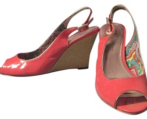 Anne Klein Pink (salmon color) and gold Wedges