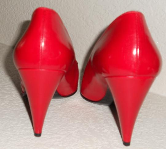 Sesto Meucci of Florence, Italy Vintage Mint Condition Never Worn red leather Pumps