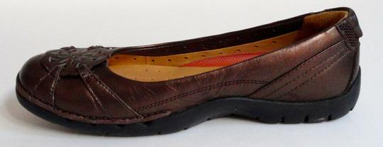 Clarks Leather Sporty Comfortable Metallic brown Flats