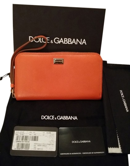 Preload https://item3.tradesy.com/images/dolce-and-gabbana-leather-wristlet-4401142-0-0.jpg?width=440&height=440