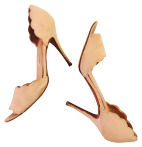 Manolo Blahnik Choo Italy Italian Leather Stiletto Beige Pumps