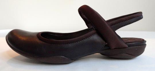 Clarks Leather Comfortable Chestnut Sandals