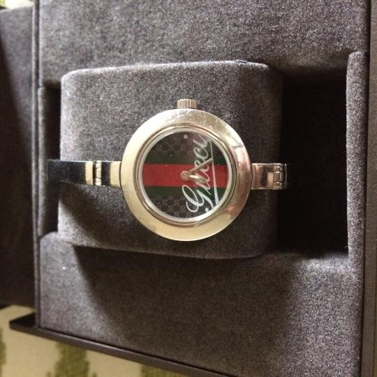Gucci Authentic Gucci bangle watch