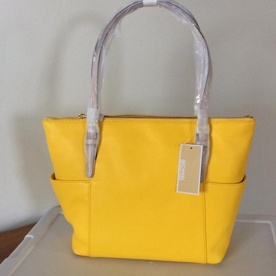 Michael Kors Leather New With Tags Tote in Citrus Yellow