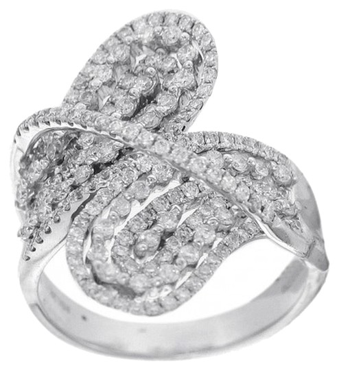 Other BRAND NEW, Ladies 18K White Gold Diamond Leaf Style Cocktail Ring