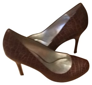 Jessica Simpson Brown Snake Skin Pumps