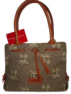 Dooney & Bourke Tote in BROWN & CREAM