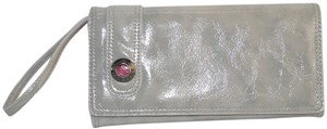 Kenneth Cole Kenneth Cole Grey Patent Leather Looking Vinyl Snap Closed Organizing Wallet