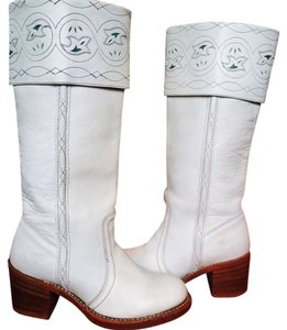 Frye Vintage Cowboy Cowgirl Cream Leather with Teal Details Boots