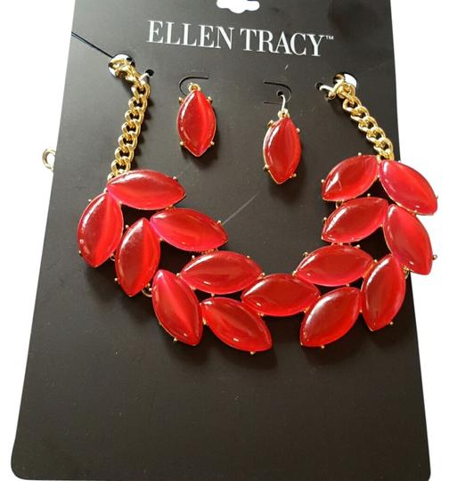 Preload https://item3.tradesy.com/images/ellen-tracy-red-and-gold-paints-the-town-necklace-earrings-4413682-0-0.jpg?width=440&height=440