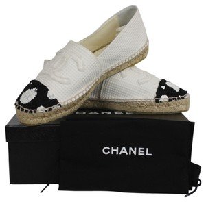 Chanel Tweed Polka Dot white and black Flats