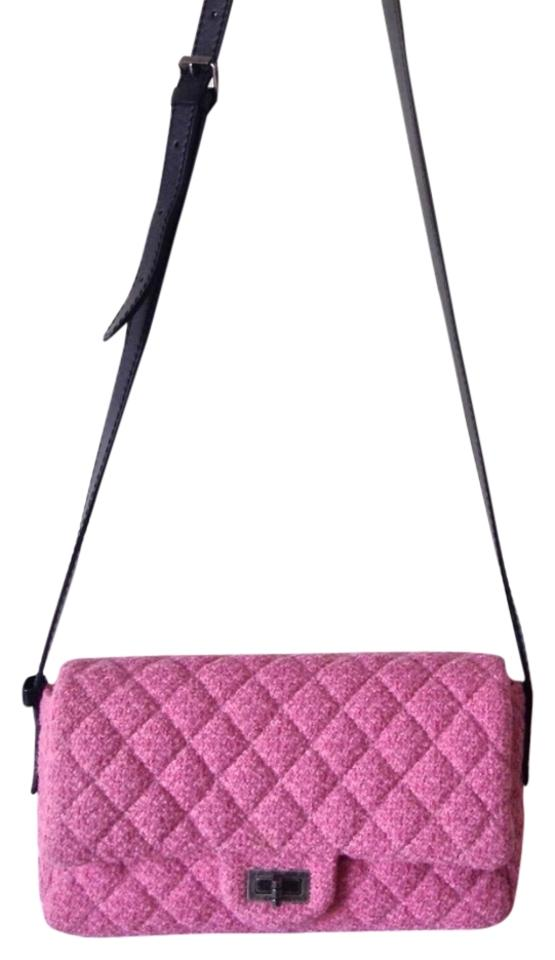 Chanel Messenger Classic Flap 2.55 Reissue Pink Tweed Cross Body Bag ... 8f2d3ca6b3