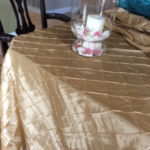 Pintuck Taffeta Table Linen (18)- Champagne