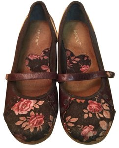 Kensie New Out Tags 9.5 Brown w/ Floral Flats