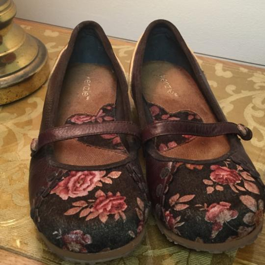 Kensie New W/ Out Tags 9.5 Limited Edition Leather Patchwork Brown w/ Floral Flats