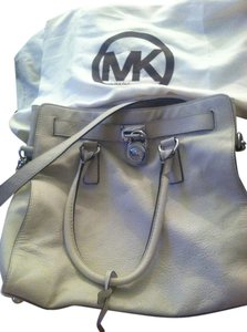 Michael Kors Silver Hardware Leather Ivory Dust Shoulder Bag
