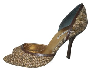 Charles David brown tweed Pumps