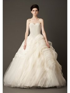 Vera Wang Ball Gown Lara Chantilly Wedding Dress