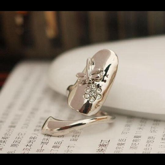 Other Fashionable Dragonfly Rhinestones flower Silver Nail Ring