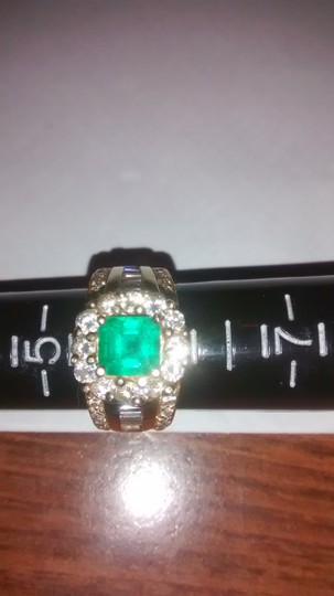 14K solid YG Colombian emerald ring with white diamonds 14k solid YG Columbian emerald & diamonds