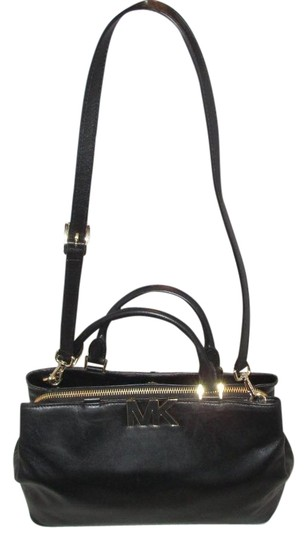 Preload https://img-static.tradesy.com/item/4425616/michael-kors-florence-large-black-leather-satchel-0-2-540-540.jpg