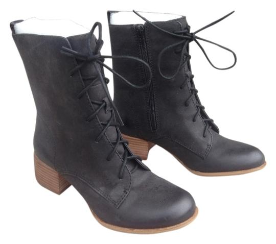 Preload https://item5.tradesy.com/images/lucky-brand-military-style-black-boots-4426609-0-0.jpg?width=440&height=440