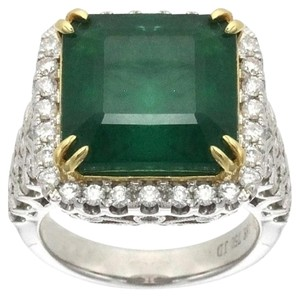 BRAND NEW, Ladies 18k White Gold Diamond and Emerald Antique Style Cocktail Ring