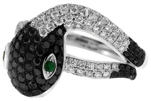 BRAND NEW, Ladies 18k White Gold Black and White Diamond Snake Ring