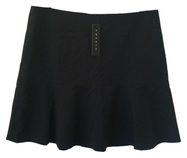 Preload https://item2.tradesy.com/images/theory-black-size-8-m-29-30-4440361-0-0.jpg?width=400&height=650