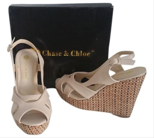 Chase & Chloe taupe Wedges