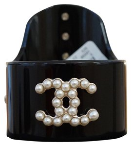 Chanel Chanel Black Resin with 6 Large Pearls CC Logo Cuff Bracelet