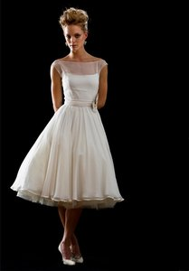 Ivory Silk Satin Sarah Arnett: Sophie Casual Wedding Dress Size 8 (M)