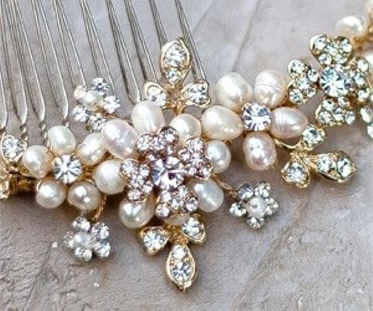 Ivory/Gold Plate Pearl and Rhinestone Comb Hair Accessory