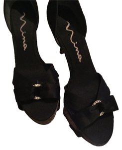 Nina Black Rhinestone Rings Sandals