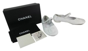 Chanel Leather Cc Logo Cambon White Flats