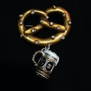Chanel Brooch Pin Beer With Pretzel Austrian Collection 2015 pendant