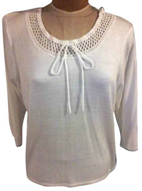 Preload https://item1.tradesy.com/images/white-spring-sweater-blouse-size-10-m-4492675-0-0.jpg?width=400&height=650