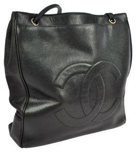 Chanel Vintage Leather Caviar Skin Shoulder Bag
