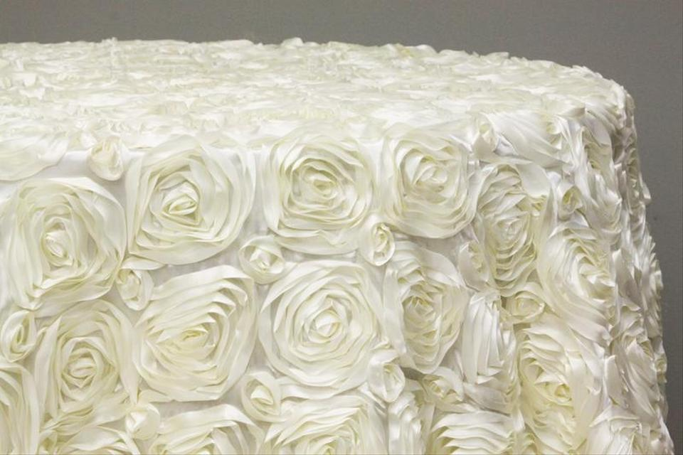 120 Quot Round Ivory Rosette Tablecloth Weddings Cake