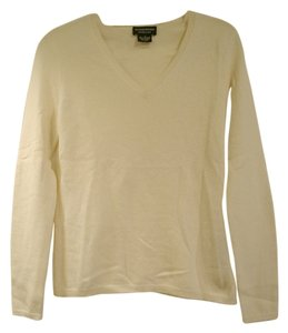 Sutton Studio V-neck Cashmere Sweater