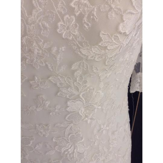 Allure Bridals Ivory Lace 8900 Formal Wedding Dress Size 2 (XS)