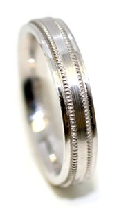 Bandolino 4mm Milgrain White Gold Band