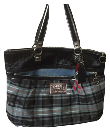 Preload https://item1.tradesy.com/images/coach-tote-4506100-0-0.jpg?width=440&height=440