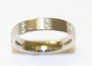4mm Flat Diamond Band