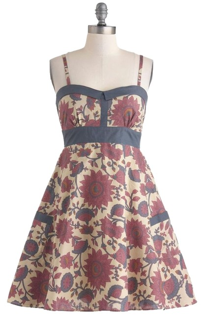 Preload https://item1.tradesy.com/images/modcloth-floral-a-line-retro-pin-up-dress-beige-4513000-0-1.jpg?width=400&height=650