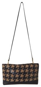 Paris Avenue International Shoulder Bag